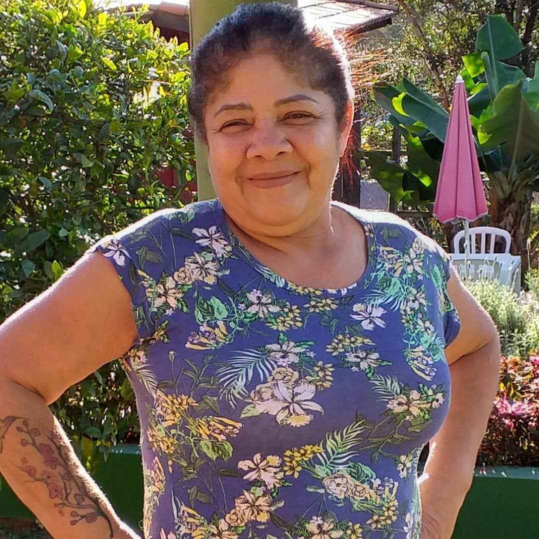Maria Aparecida Duarte, a Cidinha, era auxiliar de enfermagem em Carapicuíba (SP) e morreu dois dias após completar 63 anos